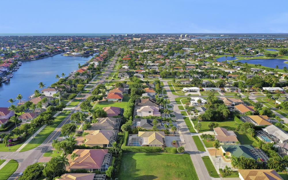 232 Tahiti Rd, Marco Island - Home For Sale 229787595
