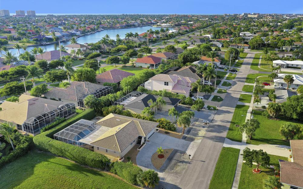 232 Tahiti Rd, Marco Island - Home For Sale 66962653