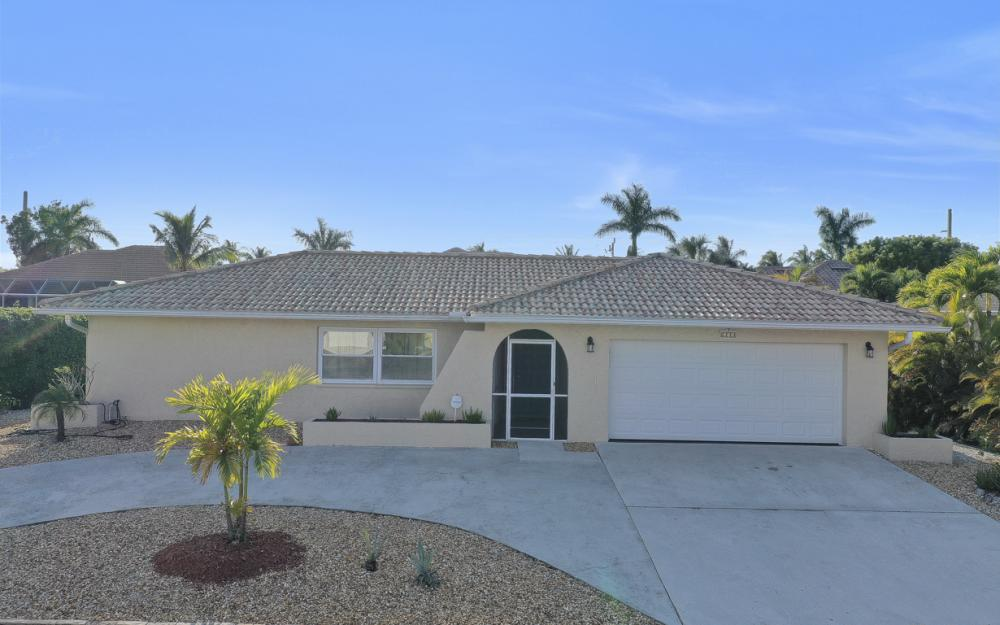232 Tahiti Rd, Marco Island - Home For Sale 377643405