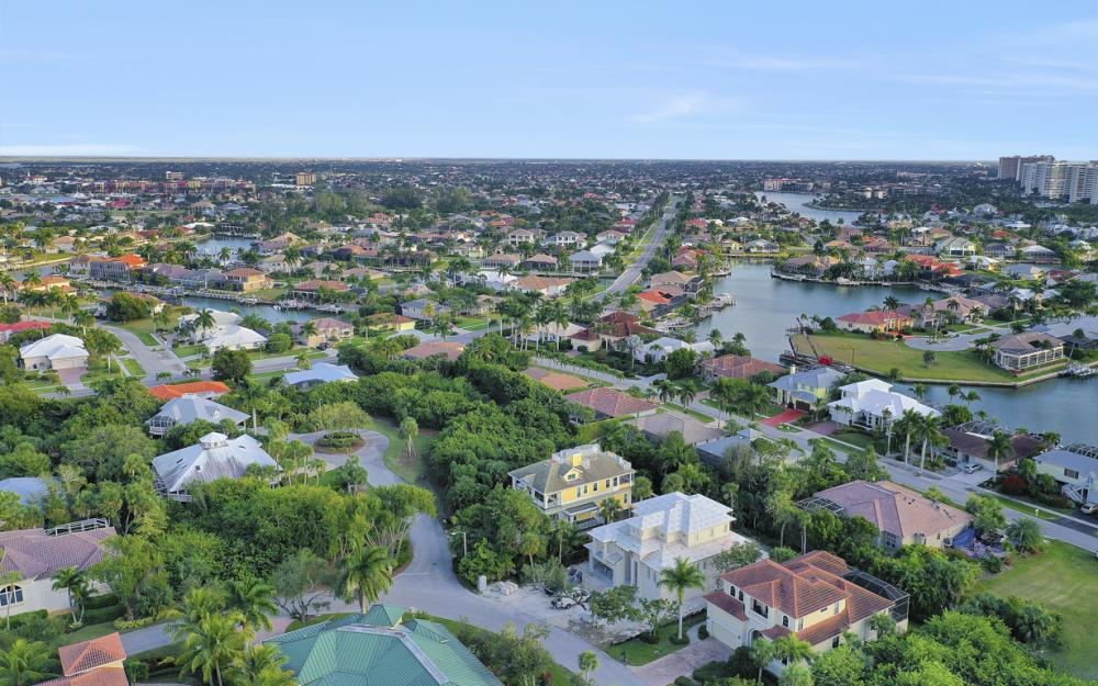 361 Periwinkle Ct, Marco Island - Home For Sale 332168912
