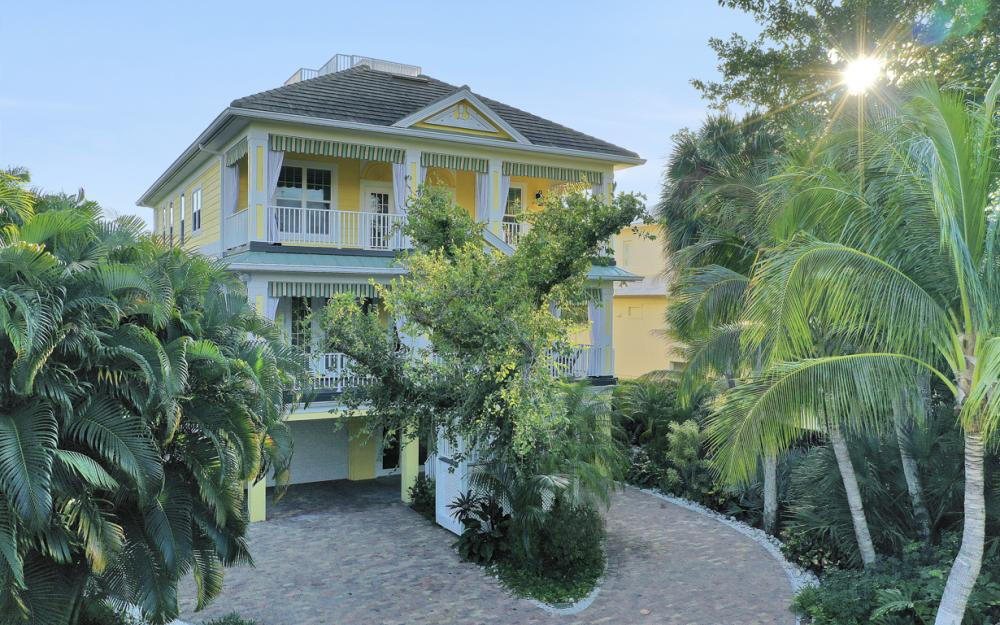 361 Periwinkle Ct, Marco Island - Home For Sale 1235796087