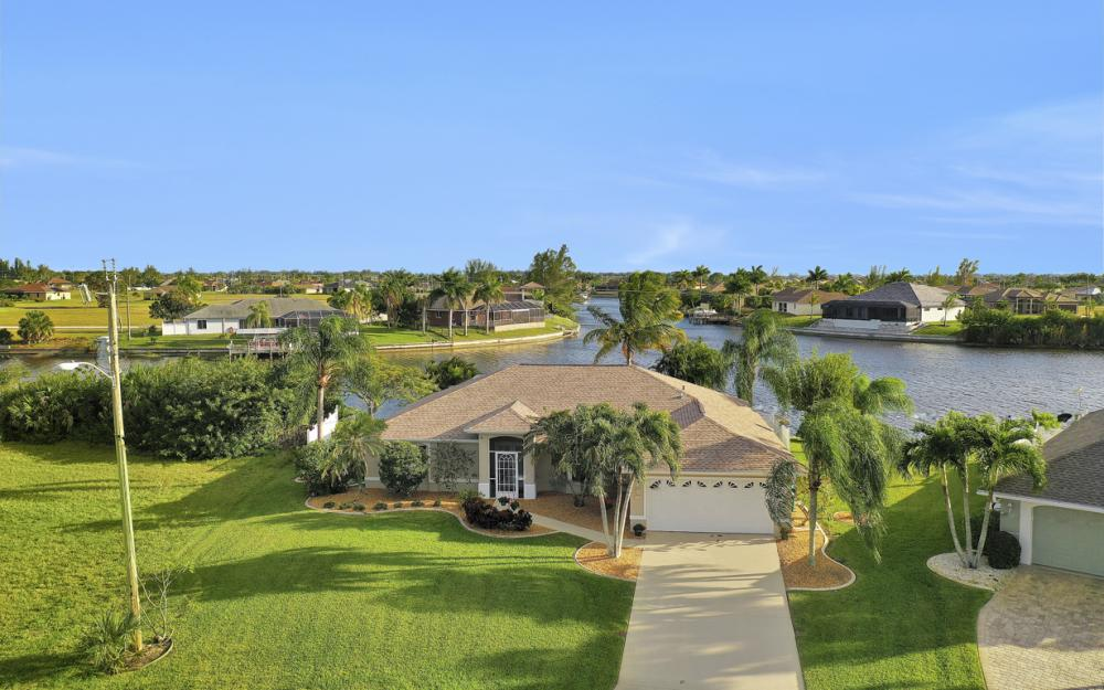 3712 NW 22nd Ter, Cape Coral - Home For Sale 676448869