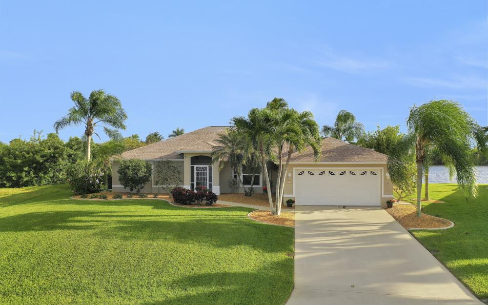 3712 NW 22nd Ter, Cape Coral - Home For Sale 1475303847
