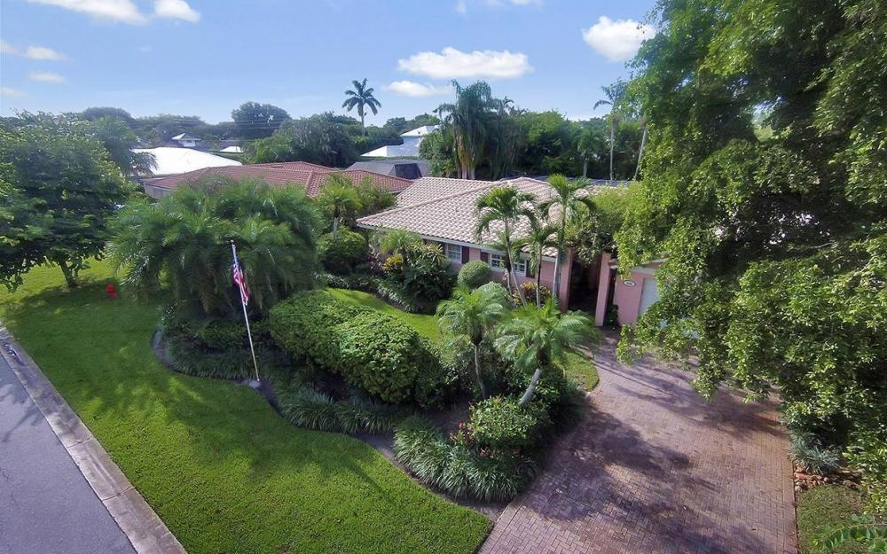 696 Fountainhead Ln, Naples - House For Sale 1138163119