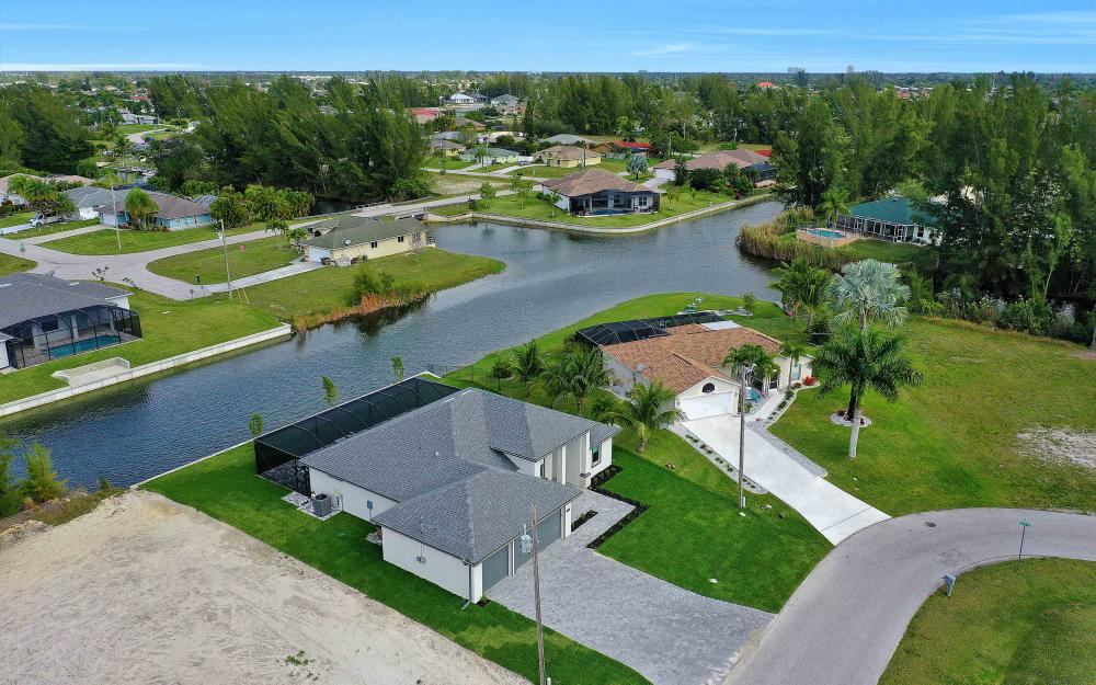 515 SW 22nd Ter, Cape Coral - Vacation Rental 2043960812