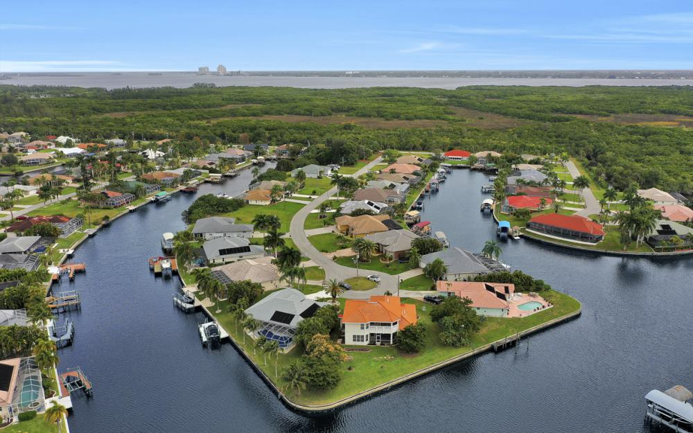 2001 SE 21st St, Cape Coral - Home For Sale 1596590562