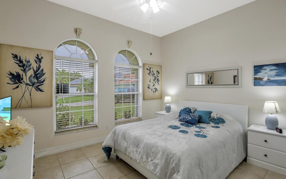 2001 SE 21st St, Cape Coral - Home For Sale 684113327