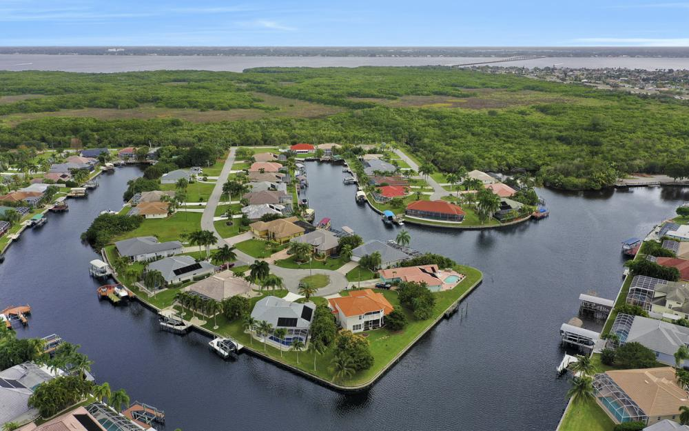 2001 SE 21st St, Cape Coral - Home For Sale 1664293517