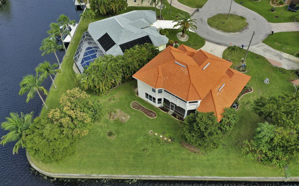 2001 SE 21st St, Cape Coral - Home For Sale 254344080
