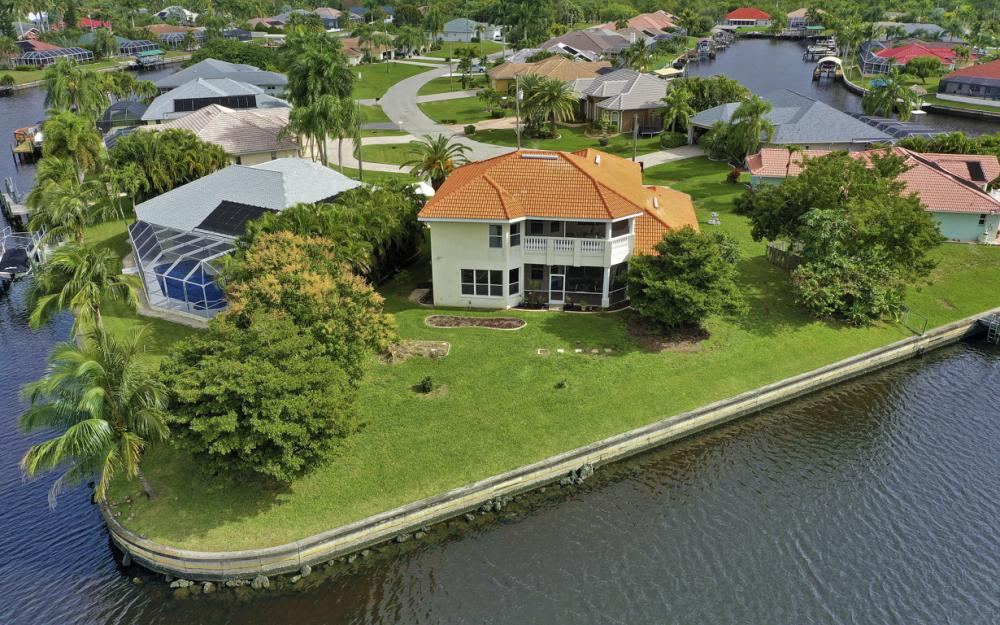 2001 SE 21st St, Cape Coral - Home For Sale 673529270