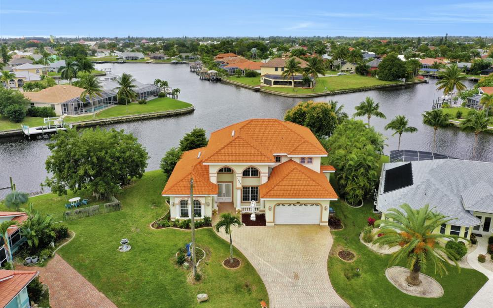 2001 SE 21st St, Cape Coral - Home For Sale 1222282616