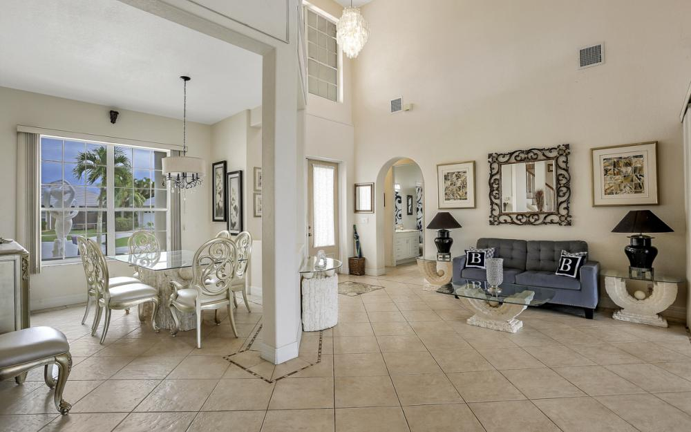 2001 SE 21st St, Cape Coral - Home For Sale 2085143497