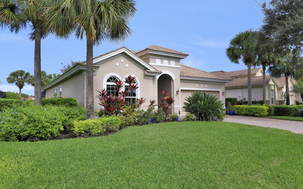 10216 Cobble Hill Rd, Bonita Springs - Home For Sale 887618147