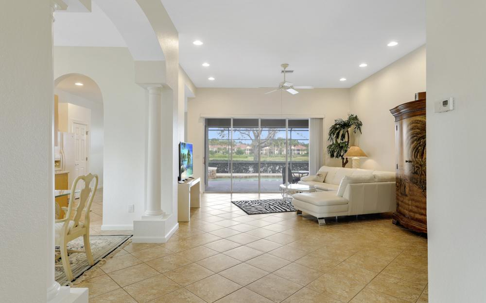 10216 Cobble Hill Rd, Bonita Springs - Home For Sale 758932368