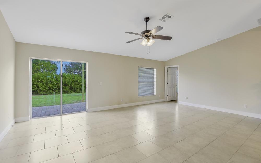 1141 Sw 2nd St, Cape Coral - Home For Sale 649130360