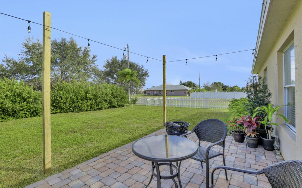 1141 Sw 2nd St, Cape Coral - Home For Sale 2006740390