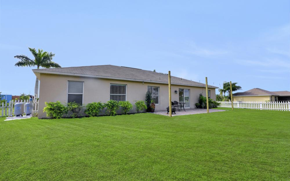 1141 Sw 2nd St, Cape Coral - Home For Sale 1700925597