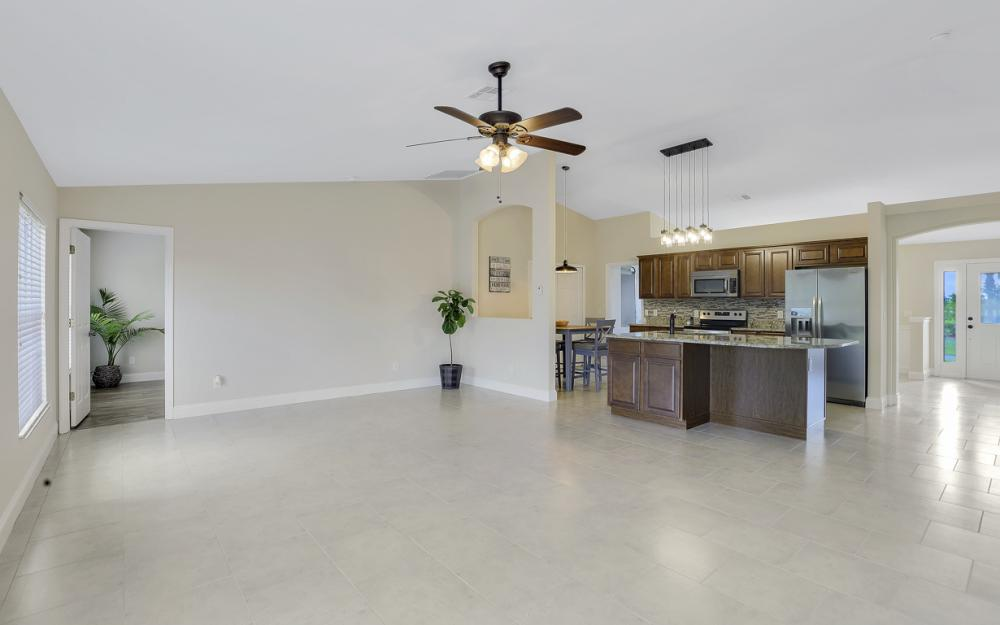 1141 Sw 2nd St, Cape Coral - Home For Sale 1063990930