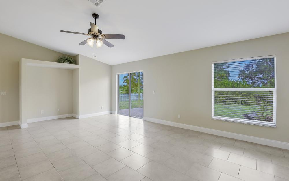 1141 Sw 2nd St, Cape Coral - Home For Sale 139833838