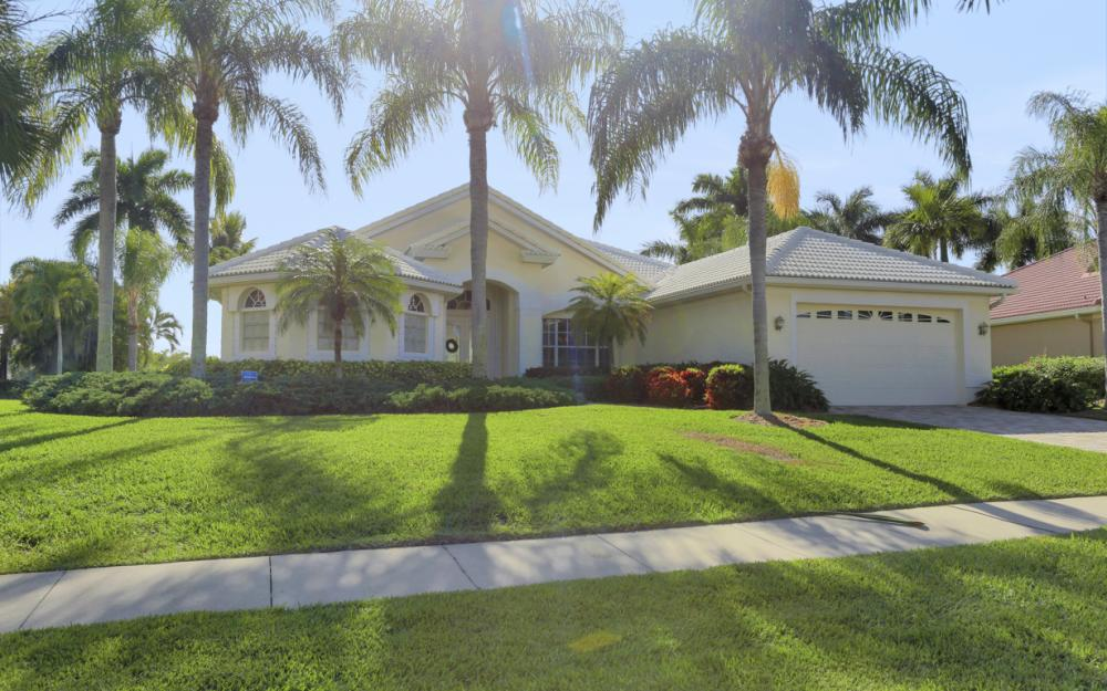 1907 Harbour Cir, Cape Coral - Home For Sale 267483717