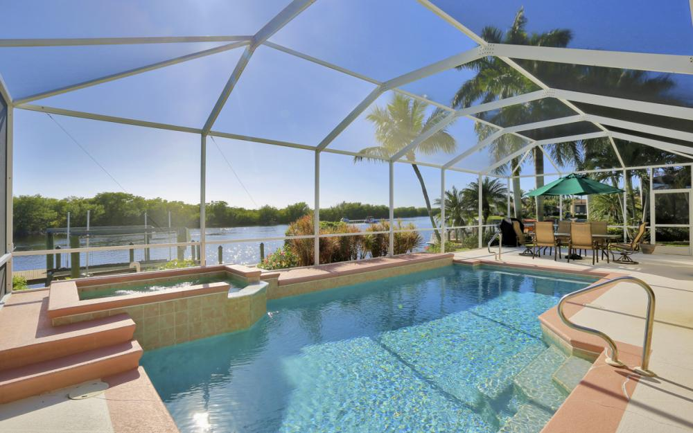 1907 Harbour Cir, Cape Coral - Home For Sale 71873875