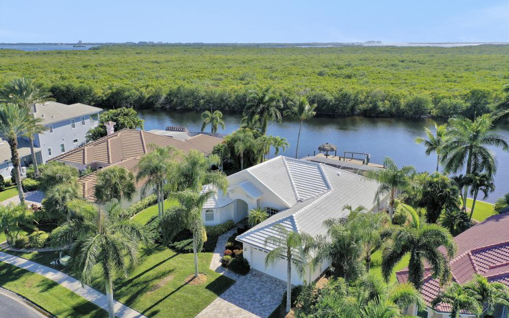 1907 Harbour Cir, Cape Coral - Home For Sale 1250157154