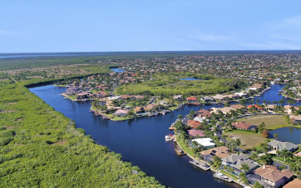 1905 Harbour Cir, Cape Coral - Luxury Home For Sale 245039840
