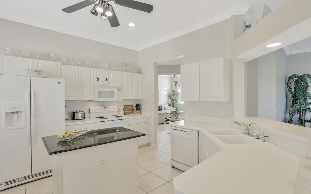 5085 Yacht Harbor Dr #203, Naples - Condo For Sale 483158312