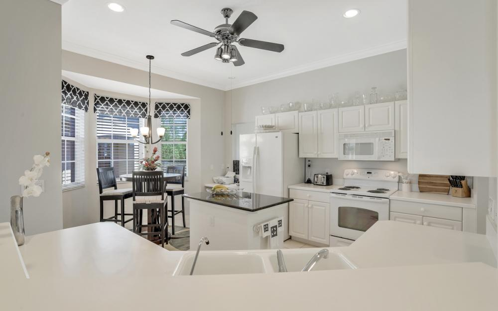5085 Yacht Harbor Dr #203, Naples - Condo For Sale 1771853329