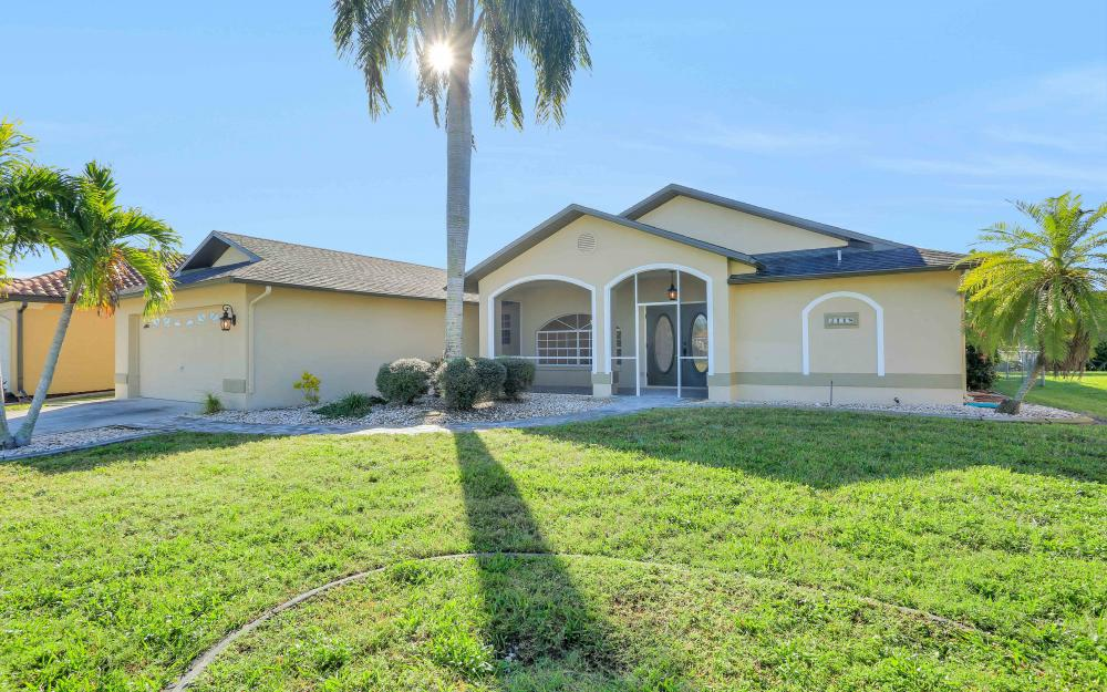 2118 SW 49th St, Cape Coral - Home For Sale 413722522