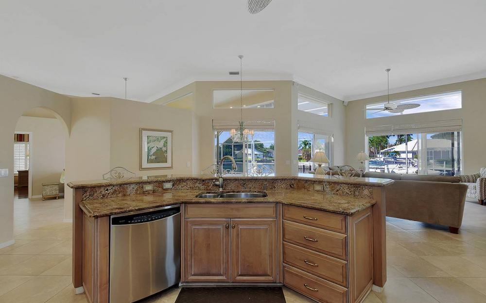 338 Edgewater Ct, Marco Island - House For Sale 1461794466