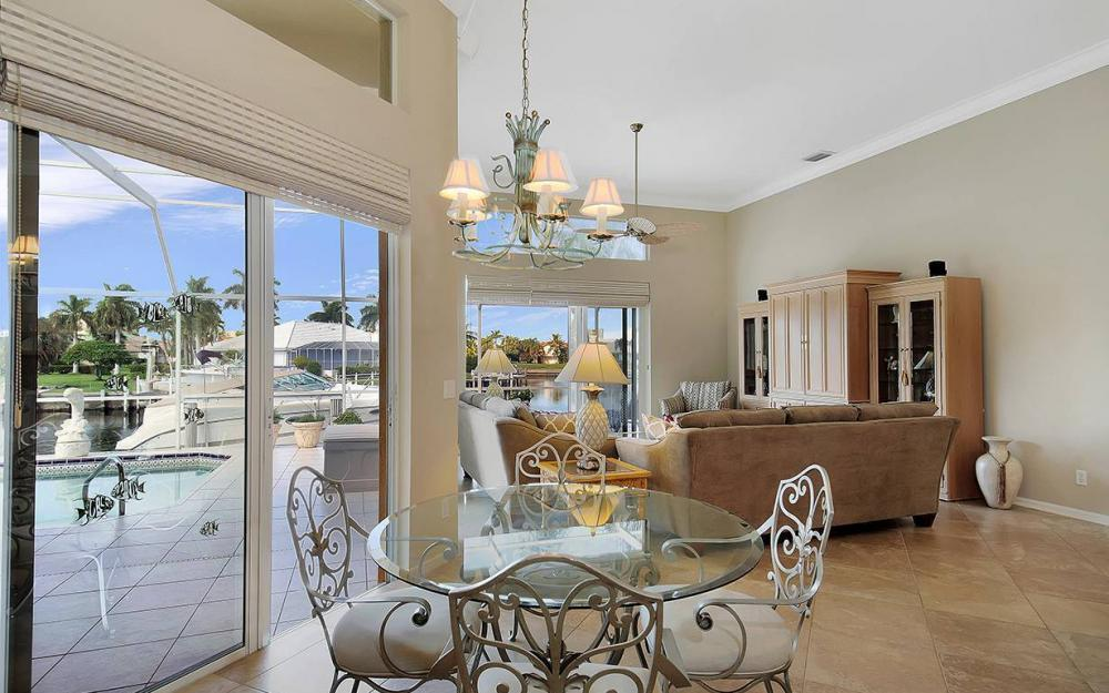 338 Edgewater Ct, Marco Island - House For Sale 1617993534