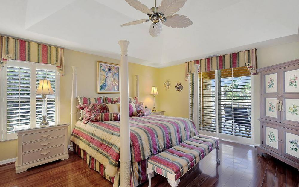 338 Edgewater Ct, Marco Island - House For Sale 224811635