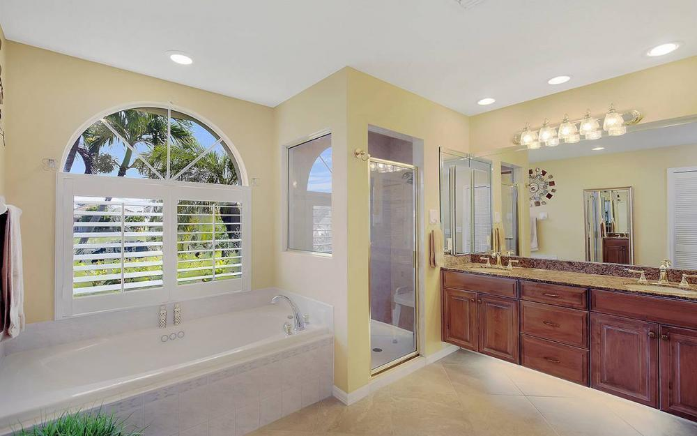338 Edgewater Ct, Marco Island - House For Sale 1756939810