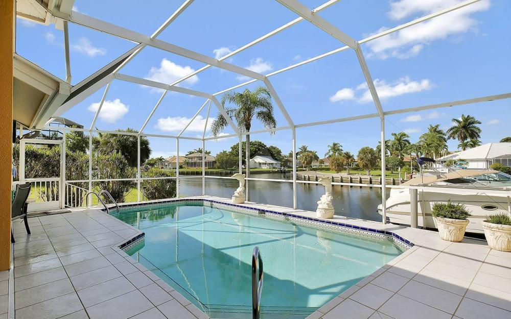 338 Edgewater Ct, Marco Island - House For Sale 1872809583