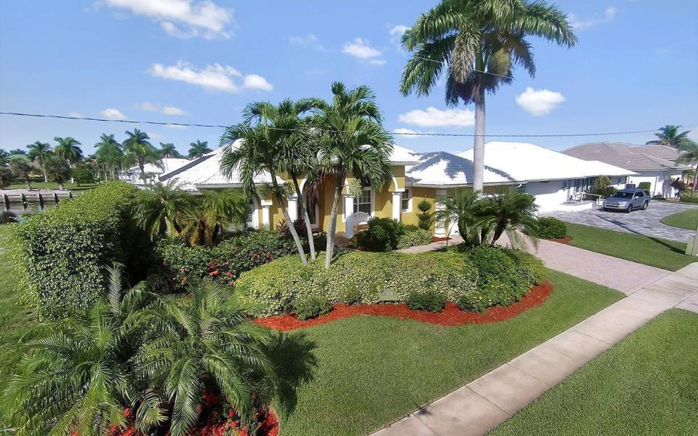 338 Edgewater Ct, Marco Island - House For Sale 1111133348