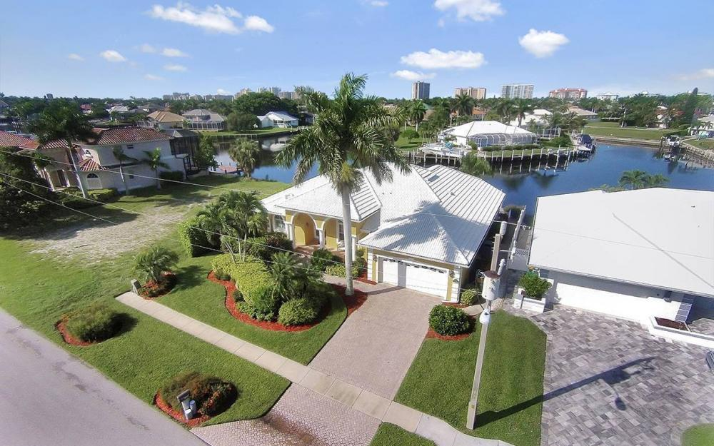 338 Edgewater Ct, Marco Island - House For Sale 2082884528