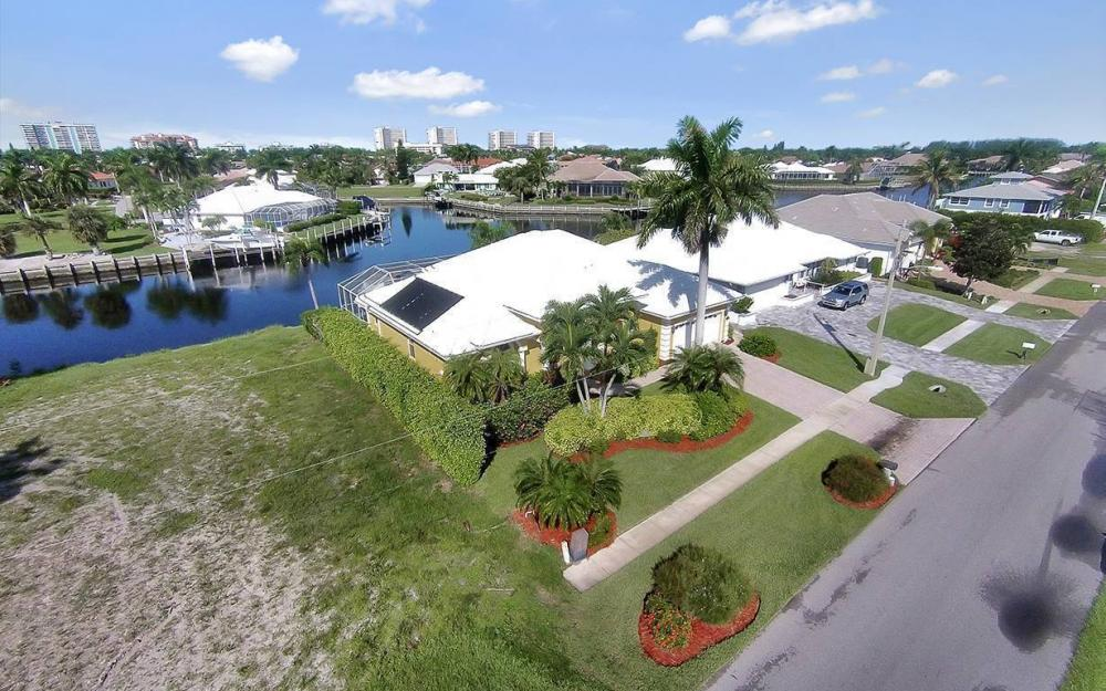 338 Edgewater Ct, Marco Island - House For Sale 477612865