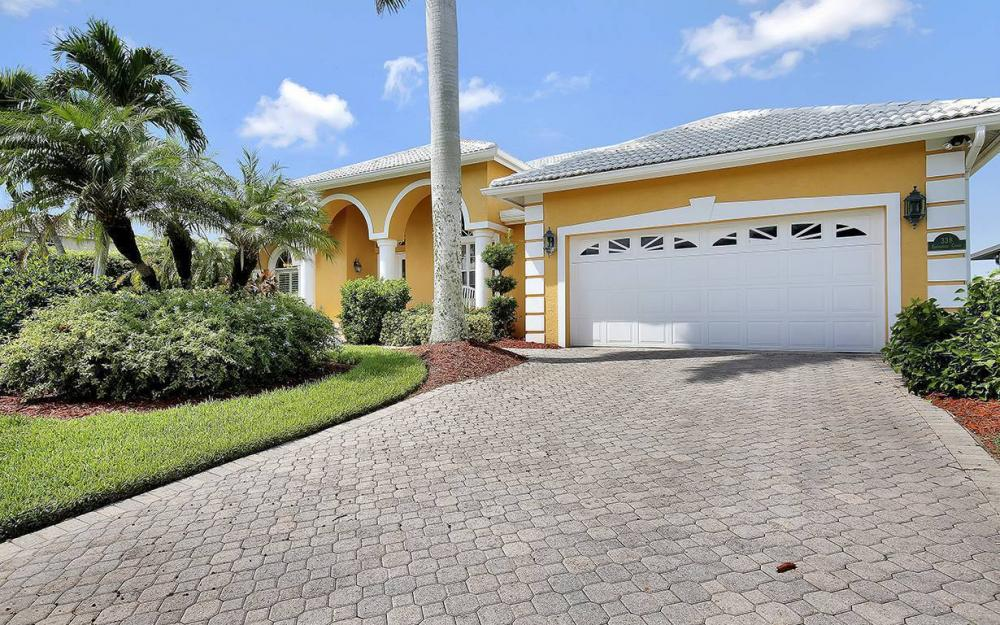 338 Edgewater Ct, Marco Island - House For Sale 458841749
