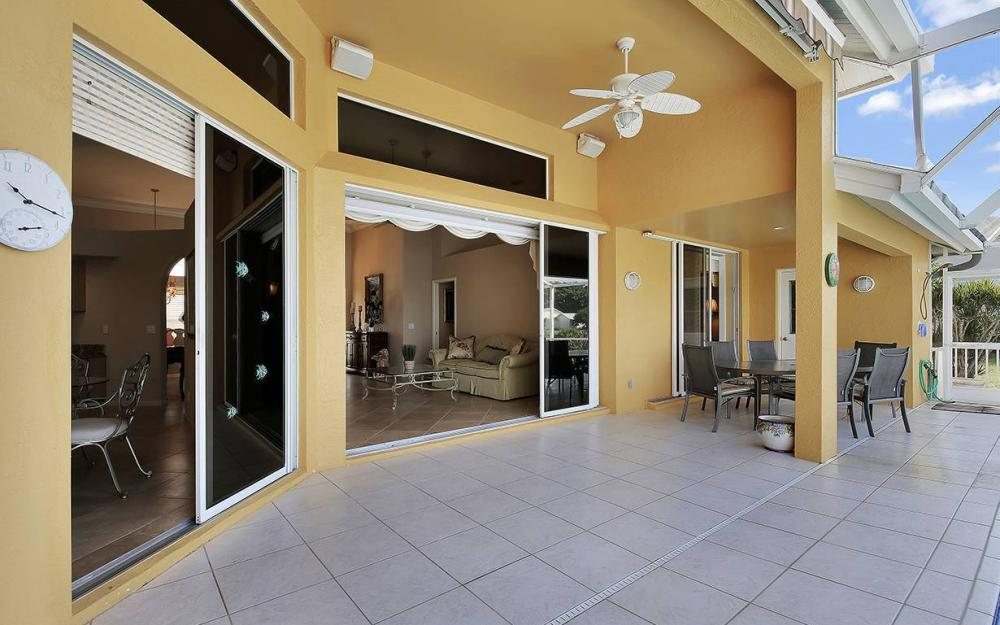 338 Edgewater Ct, Marco Island - House For Sale 2092447273