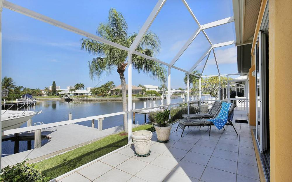 338 Edgewater Ct, Marco Island - House For Sale 1970082999