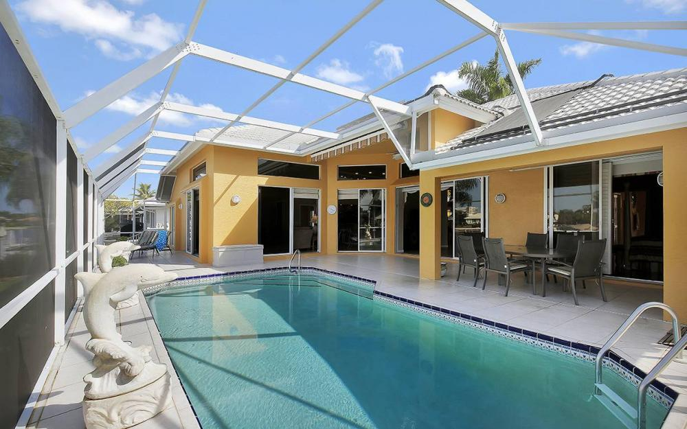 338 Edgewater Ct, Marco Island - House For Sale 1926798185