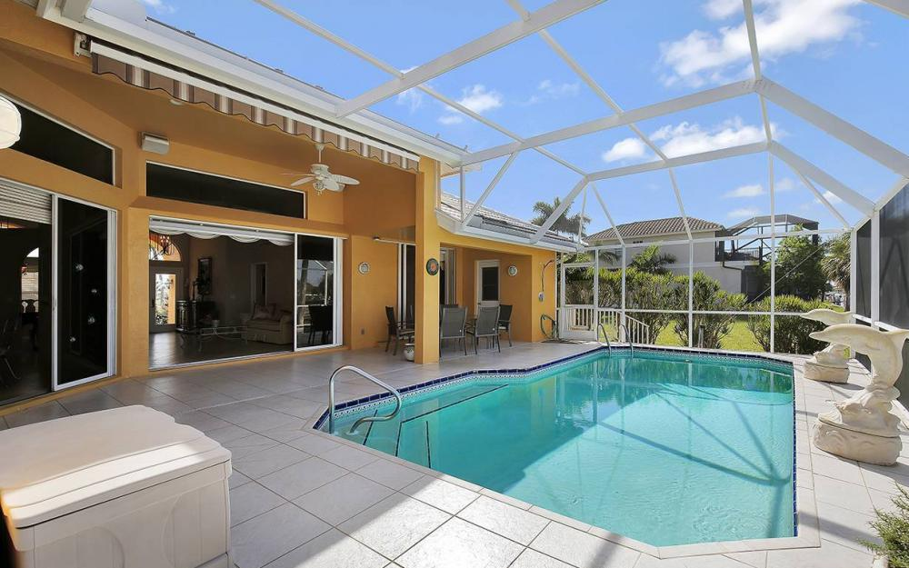 338 Edgewater Ct, Marco Island - House For Sale 174953408