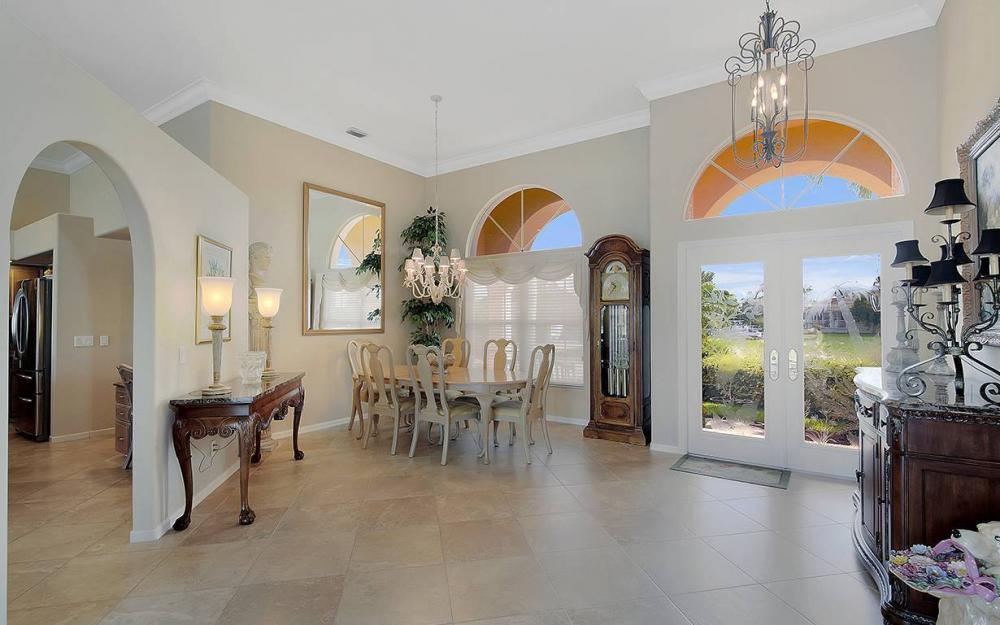 338 Edgewater Ct, Marco Island - House For Sale 152929423