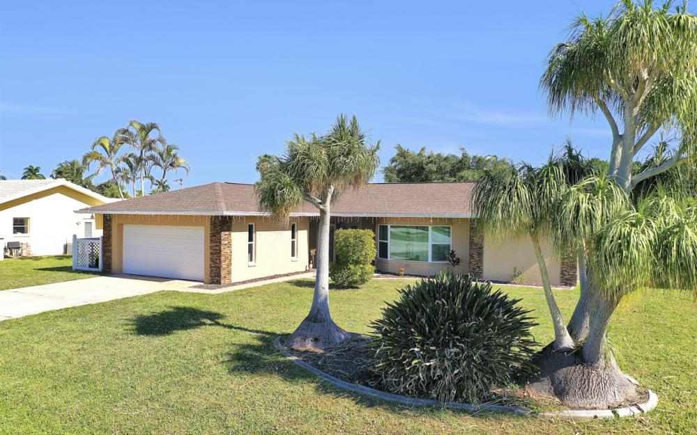 5255 Tiffany Ct, Cape Coral - Home For Sale 2142636751