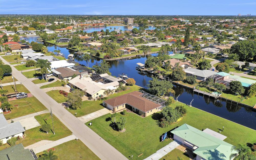 5255 Tiffany Ct, Cape Coral - Home For Sale 283938929