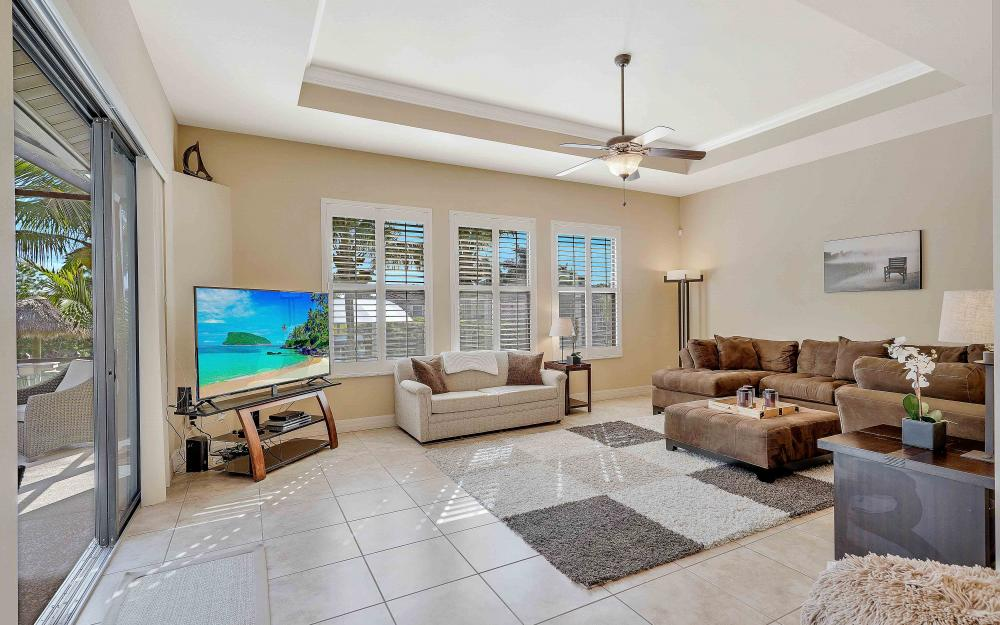 2400 SW 39th Ter, Cape Coral - Home For Sale 1058776290