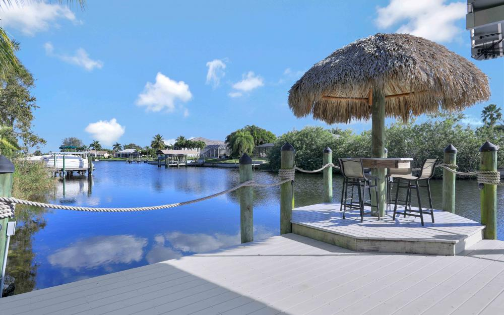 2400 SW 39th Ter, Cape Coral - Home For Sale 693997597