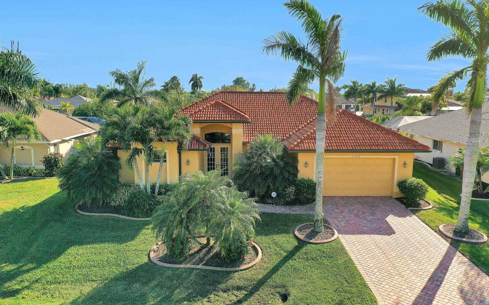 2400 SW 39th Ter, Cape Coral - Home For Sale 600043082