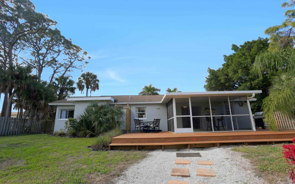 27051 Holly Ln, Bonita Springs - Home For Sale 520522525
